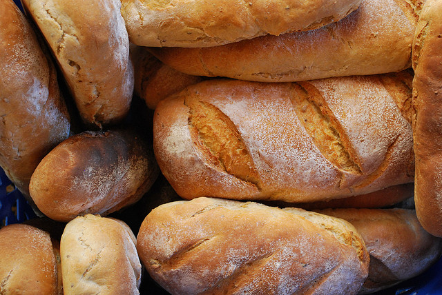 1. Eating too much bread One of the foods that vegans turn too from their very first day is bread. We are all comfortable with bread. Bread is comforting. And you can find vegan bread very easily and it taste great! This includes fresh vegan baked goods and pasta. While I can understand using it as a crutch to fill the void when you are making the transition, you have to let it go. While it is a good course of carbs and energy it is not a good source of antioxidants, minerals, vitamins and phytonutrients. Eat bread in a healthy proportion. It shouldn't be 50% of your diet!