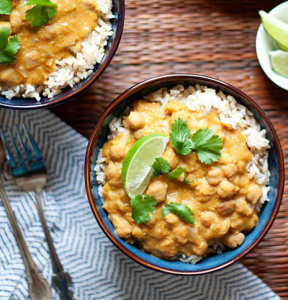 how to make vegan slow cooker pumpkin, chickpea, and red lentil curry