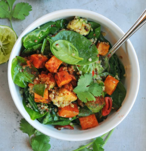 how to make vegan spinach salad with roasted sweet potatoes