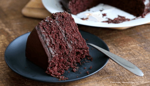 vegan-chocolate-cake-recipe-peanut-butter-ganache